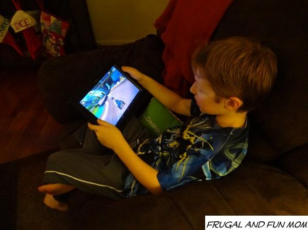 FREE App Angry Birds GO! Telepods Pig Rock Raceway Set