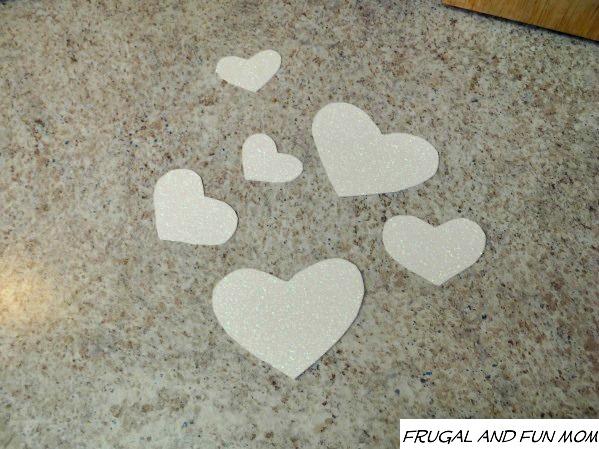 Valentines-Day-Wreath-Glitter-Cardstock 1