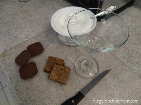 Butterfinger Peanut Butter Cups Brownie Parfaits! #thatnewcrush #shop #cbias