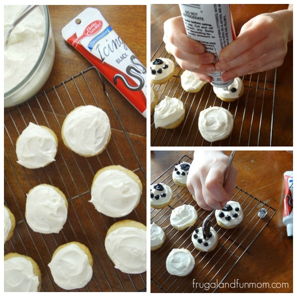 How to make Snoopy's Paw Print Cookies
